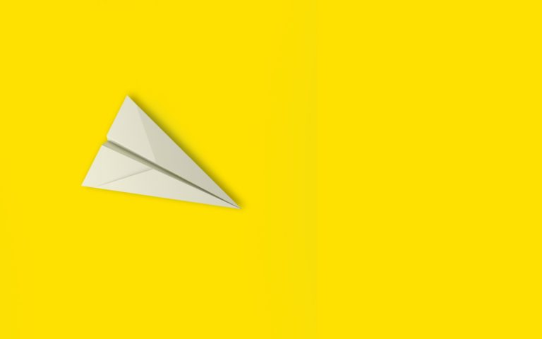 white paper airplane isolated on yellow background in education or travel concept mock up design 3d t20 axPAP6